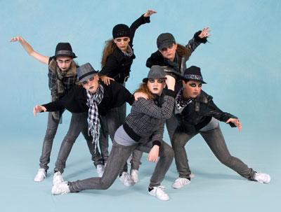 Танец современных танц-полов – джаз-поп