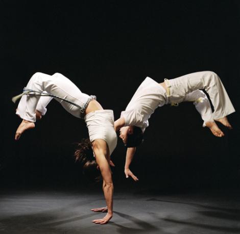 Обучение бразильскому боевому танцу – капоэйре. Урок первый (видео)