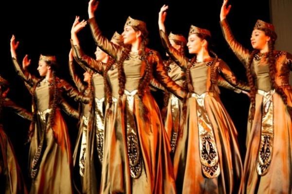 Народный азербайджанский танец Узундара Узундара