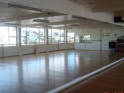 Обзор необходимого оборудования для танцевальных залов (фото)