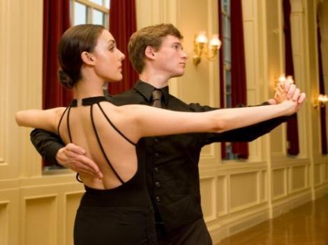 Особенности ведения в танцах. Ведущий и ведомый (фото, видео)