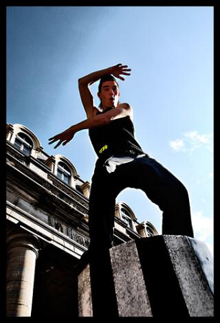 Танец Tecktonik – онлайн-обучение. Занятие первое (фото+видео)