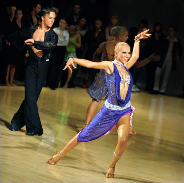 Спортивные бальные танцы: спорт или танец?