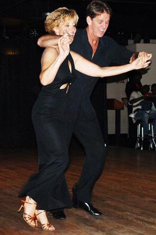 Как в Омске учат хастл танцевать