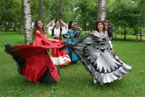 Танцы видео и цыганская музыка