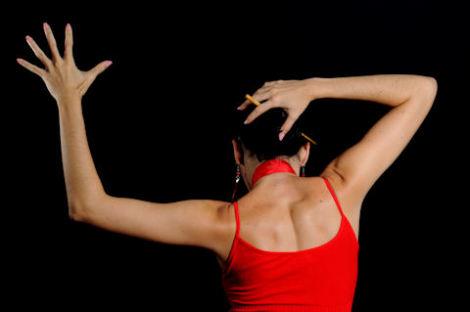 Работаем над пластикой фламенко. Онлайн-уроки танцев бесплатно