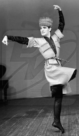 Знаменитый кавказский танец – лезгинка (фото, видео)