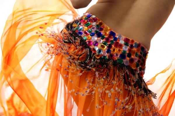 Онлайн-обучение танцу живота – изучаем приставной шаг. Часть 2