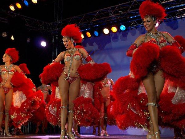 Кан-кан – сексуальные танцовщицы кабаре