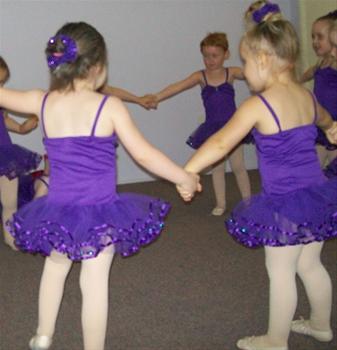 Как выбрать детскую школу танцев для своего ребенка?