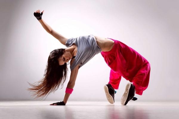 Как праздновали всемирный день танца в России?