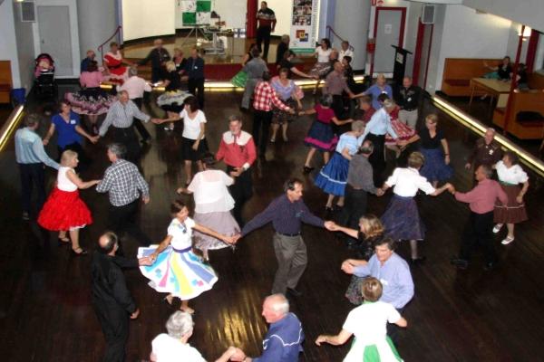 Square Dance – семейный американский танец