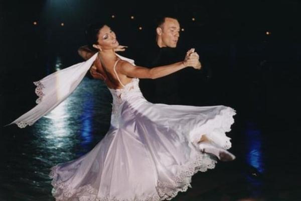 Онлайн-обучение венскому вальсу – первые шаги в танце
