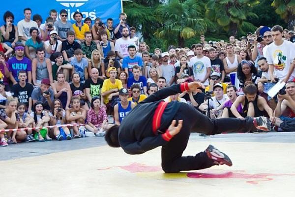 С 29 ноября по 2 декабря в Ялте планируется проведение Чемпионата Украины по уличным танцам.