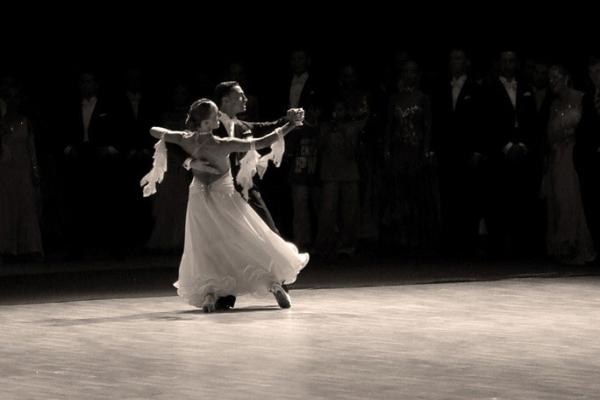 Поддержка в бальных танцах