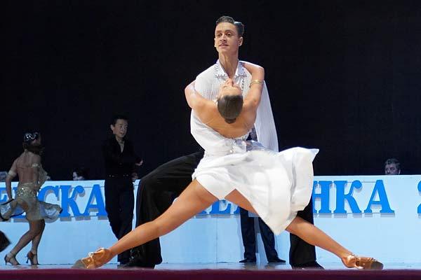 Категории исполнителей в спортивных бальных танцах