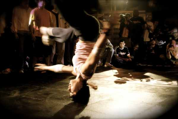 Би-бой The End - танцевальный Джеки Чан