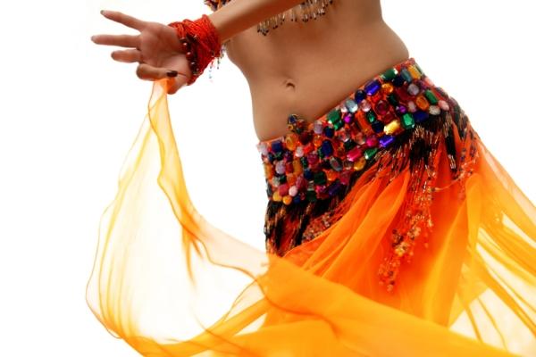 Танец живота с предметами