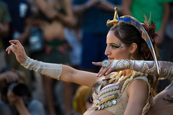 Bellydance: танец с предметами