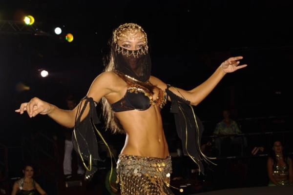 Онлайн-обучение танцу живота – движения бедрами. Часть 2