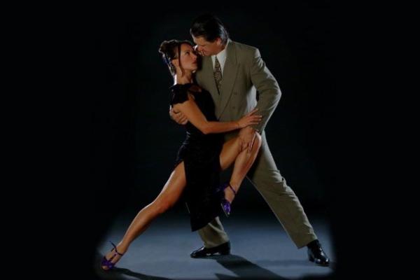 Формирование красивой походки - залог быстрого освоения танцев