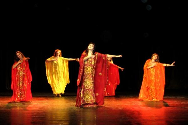Как танцевать халиджи?
