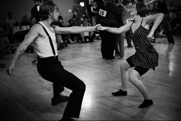 Мы танцуем блюз – история танца
