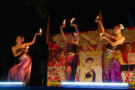Танец живота со свечами (фото, видео)