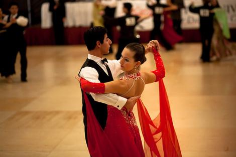Идеи для групповых танцев на танцевальных вечерах