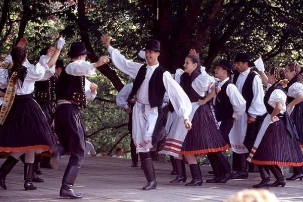 Красота венгерских народных танцев