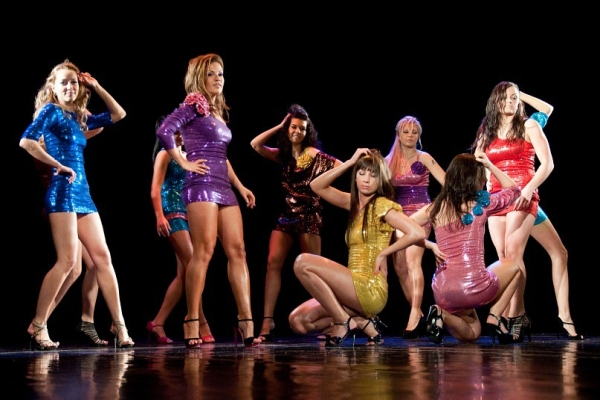 Онлайн-обучение go-go dance – импровизация и комбинация движений