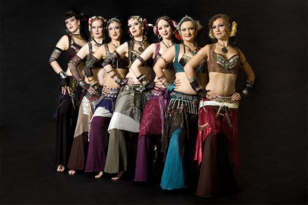 Красота египетского фольклора в ритмах популярного танца Хагалла
