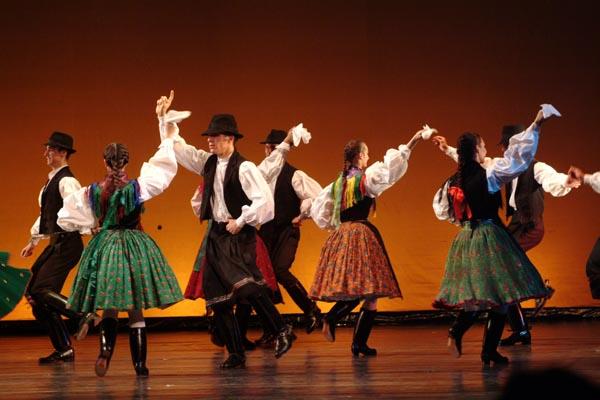 Славные традиции венгерских народных танцев