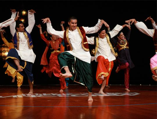 От традиционного индийского танца до