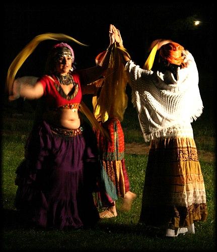 Восточный танец с платком (фото, видео)