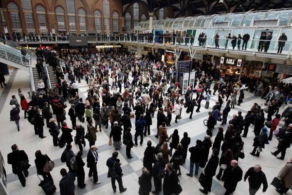 Танцы в лондонском метро - легендарный флэш-моб
