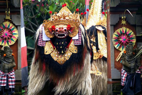 Балийский вариант танца льва - баронг