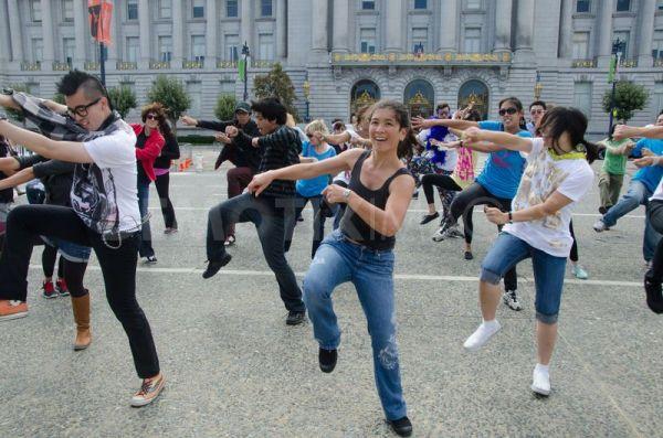 Танцевальные флеш-мобы