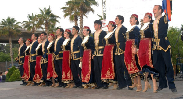 Танец кочари
