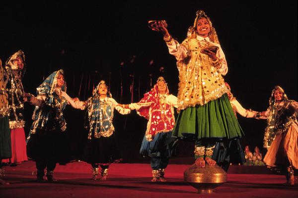 Народные танцы мира