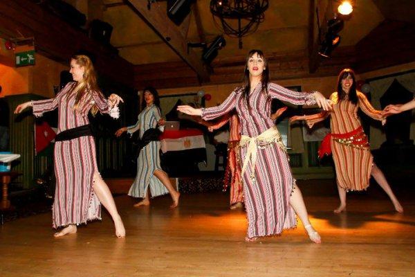 Современные арабские танцевальные театральные постановки