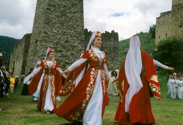 Армянские национальные танцы