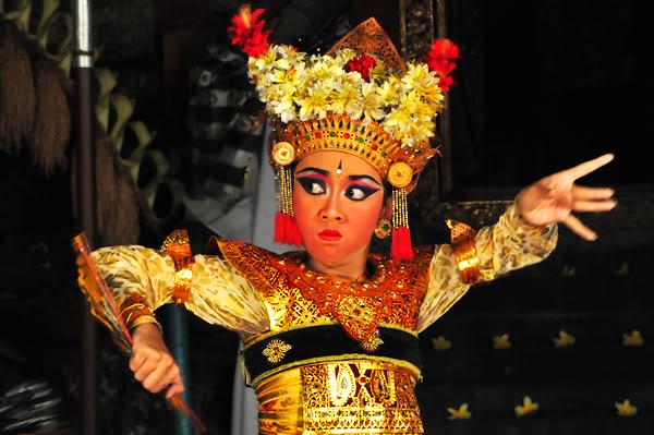 Балийский танец легонг