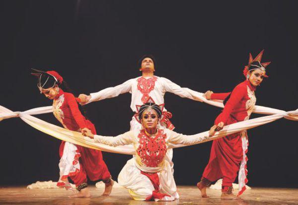 Танцы на фестивалях в Бангладеше