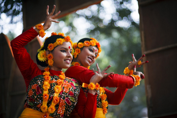 an introduction to the traditional bangladeshi music and dance Traditional music essay examples an introduction to the traditional bangladeshi music and dance 1 page an introduction and the origins of the traditional.
