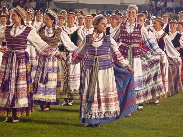 Литовские народные танцы