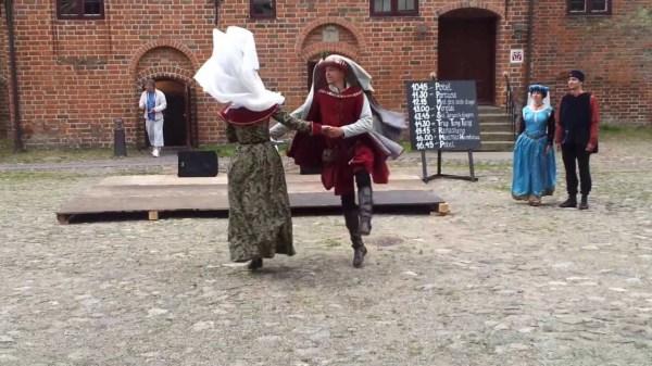 Танцы в средние века