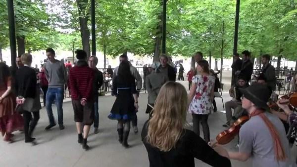 Танец бурре
