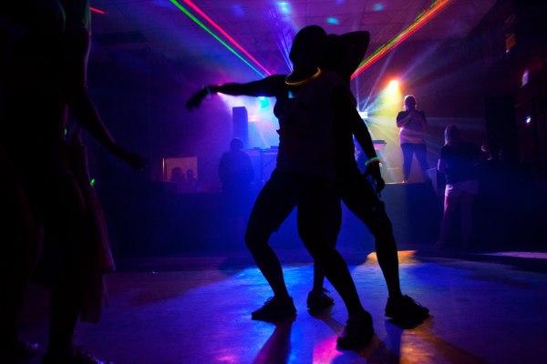 Танцы в стиле рейв