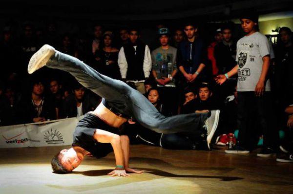 Брейк-данс - самый популярный уличный танец
